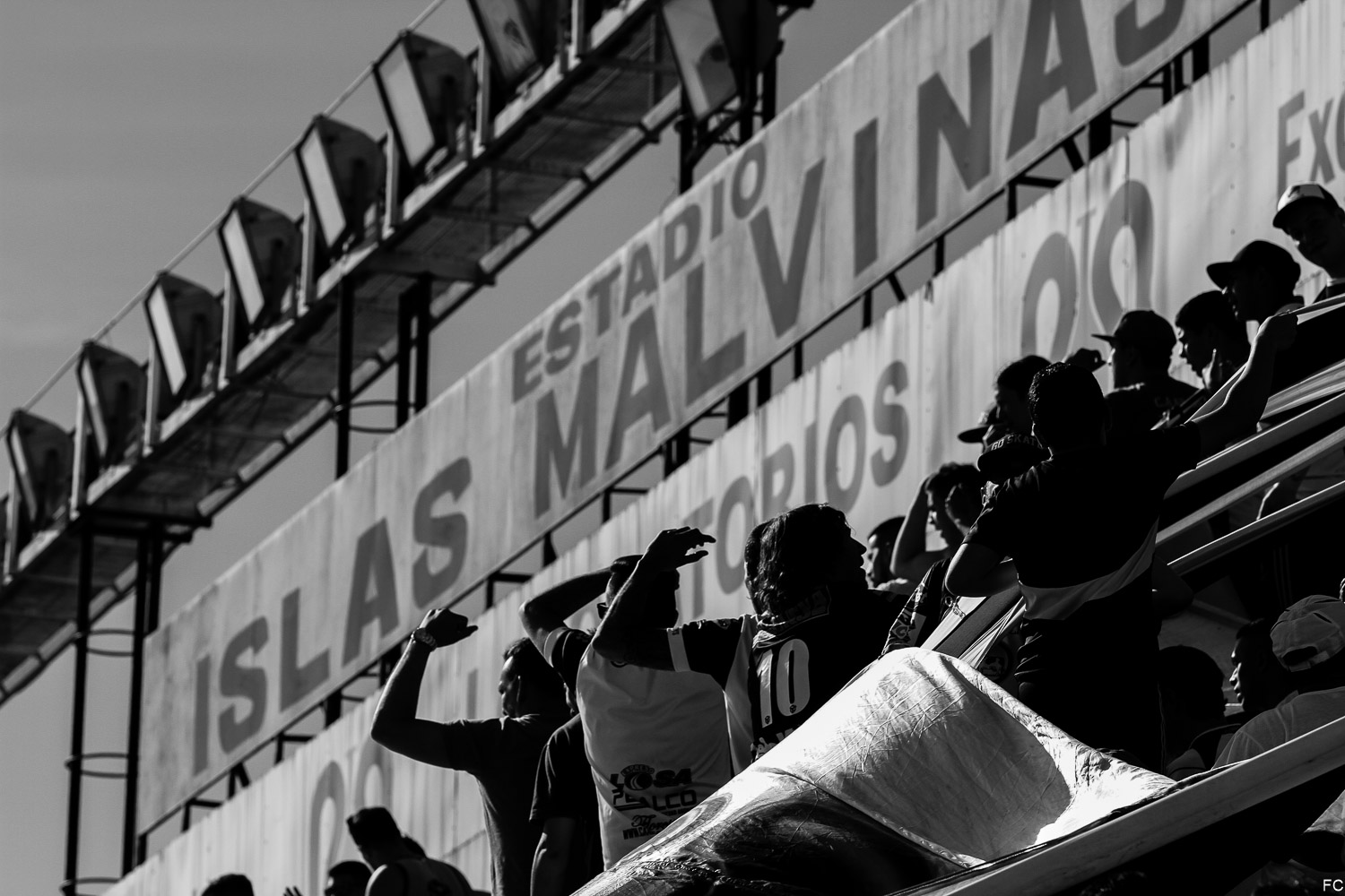 Fotos das torcidas em All Boys x Santamarina