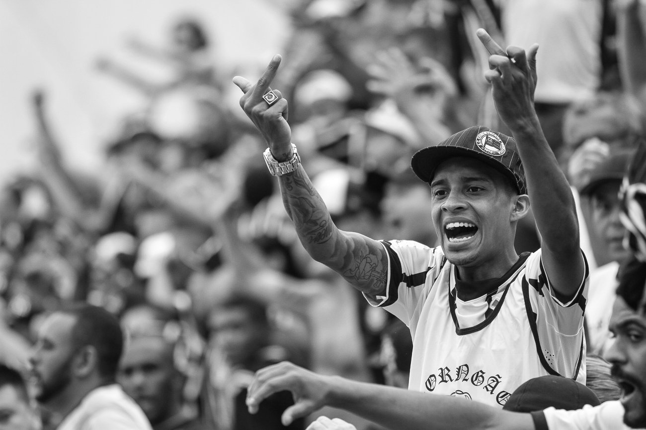 Fotos da torcida em Santos x Corinthians