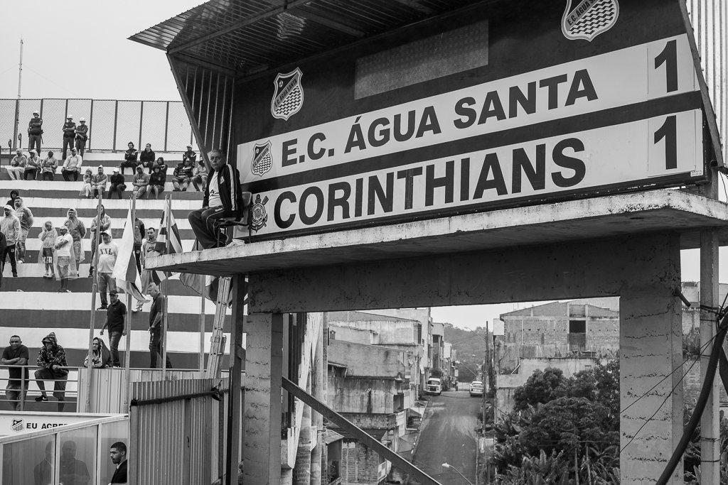 Fotos da torcida em Água Santa x Corinthians